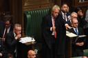 John Bercow, speaker van het Britse parlement, probeert orde te houden tijdens een vergadering.