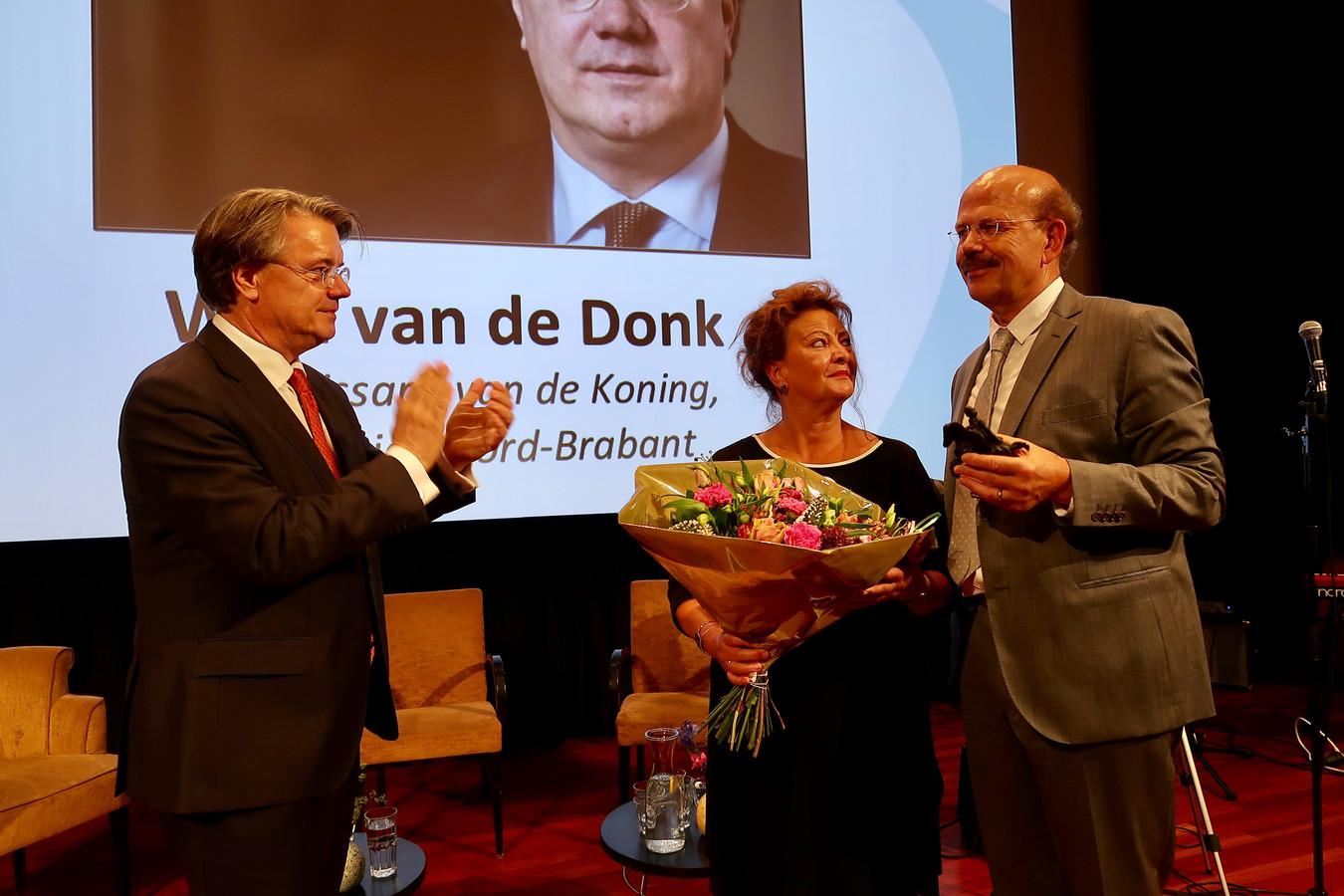 Commissaris van de koning Wim van de Donk, Marinelle Dubbeldam en Leo Dubbeldam (vlnr).