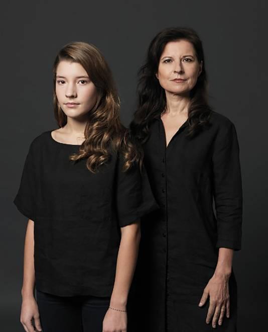 Pia de Jong en haar nu kerngezonde, 15-jarige dochter Charlotte.