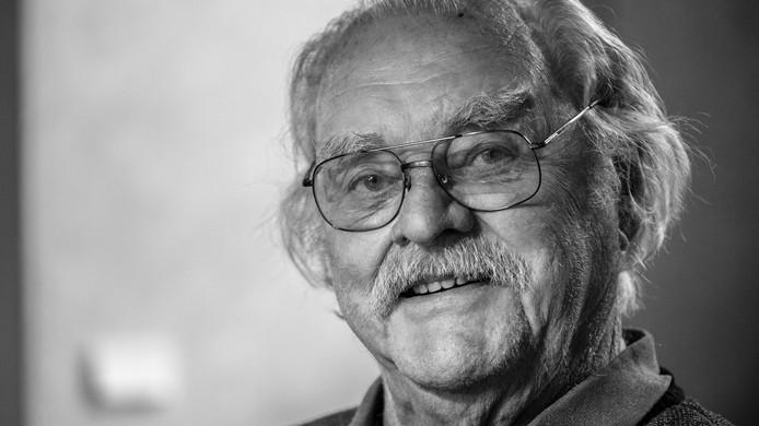 Voormalige architect Gerard Wijnen overleed zaterdag op 89-jarige leeftijd. Van zijn hand staan er veel woningen en gebouwen in Den Bosch, en daarbuiten, die een sterke verwantschap met de Bossche school hebben.