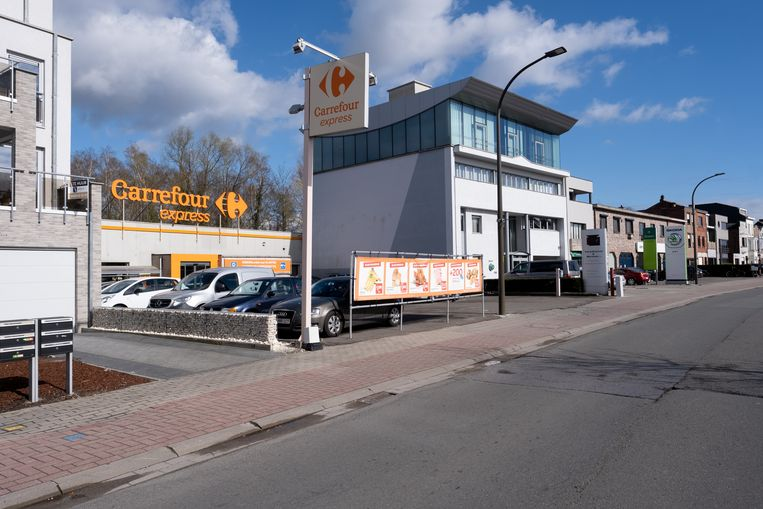 De overvallers werden op 22 maart opgepakt ter hoogte van Carrefour Express langs de Battelsesteenweg. Naar verluidt waren ze van plan om de supermarkt te overvallen.