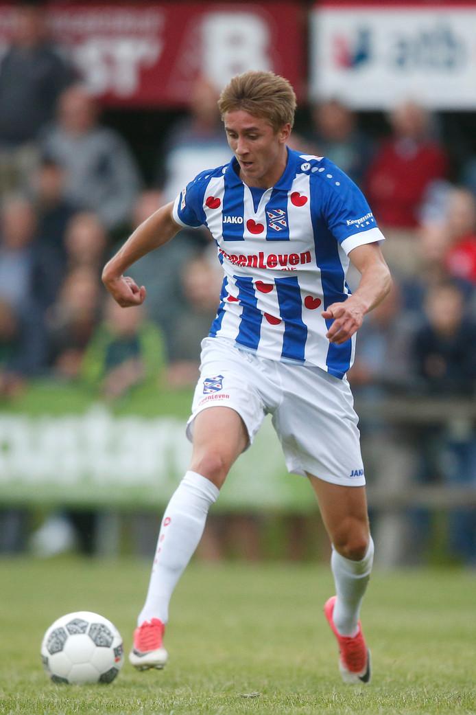 Dennis Johnsen tijdens de oefenwedstrijd tussen Buitenpost en sc Heerenveen (1-16).