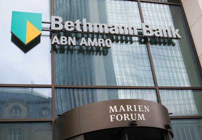 Exterieur van het kantoor van ABN in Frankfurt.