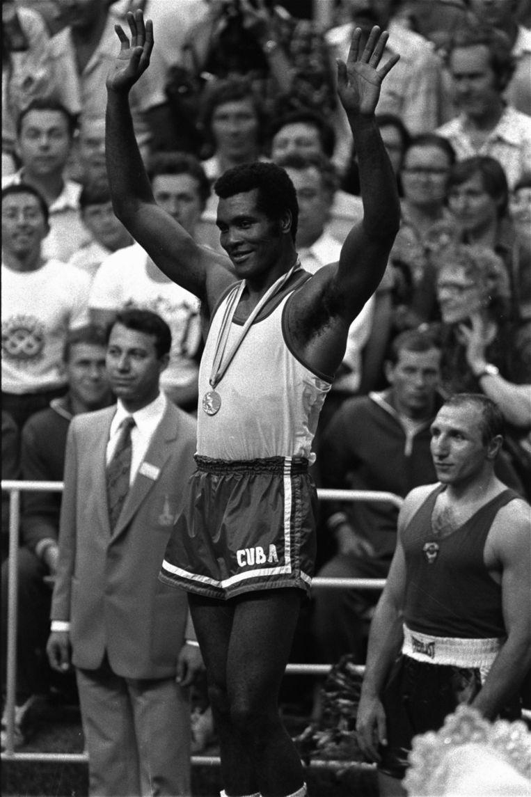Poserend met het goud tijdens de Spelen in Moskou, 1980. Beeld ap