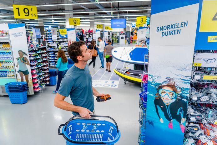 De provincie Zuid-Holland wil geen Franse toestanden waarbij winkels als Decathlon aan de rand van de stad zitten.