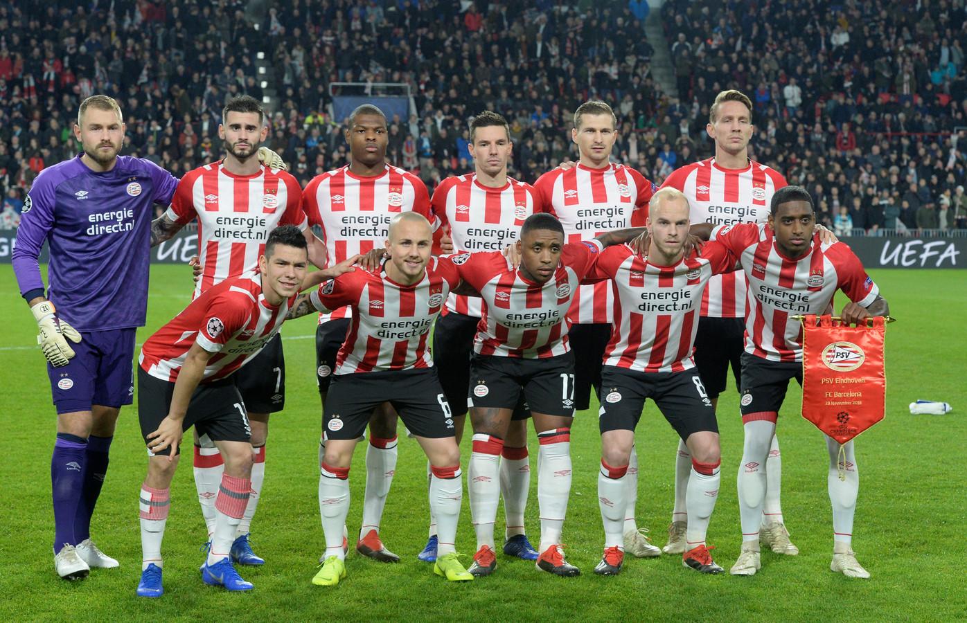 PSV voorafgaand aan de Champions League-wedstrijd tegen FC Barcelona.