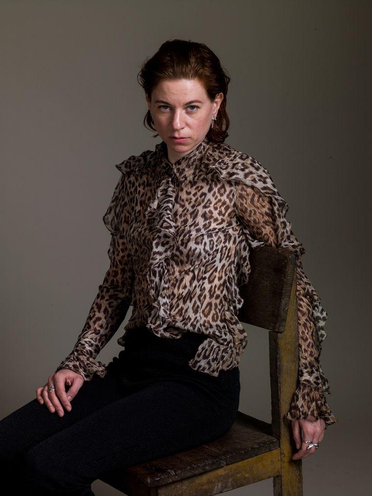 Josefin Arnell is winnares van de Theodora Niemeijer Prijs 2018, een onderscheiding voor opkomende vrouwelijke kunstenaars. De beeldhouwster ontving de prijs voor haar werk The Tick, een sculptuur van een insect van reuzenformaat, dat momenteel te zien is in het Van Abbemuseum in Eindhoven. Beeld Koos Breukel