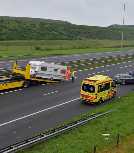 Chaos op A1 na ongeluk met caravan in Wilp