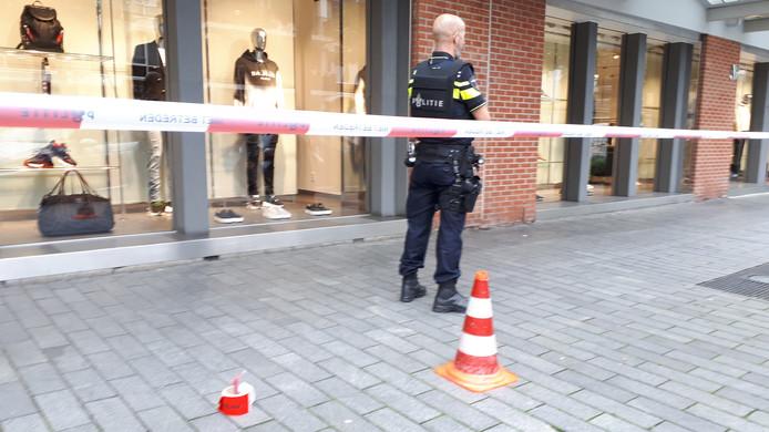 De plek waar de huls ligt op de Karel Doormanstraat.