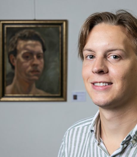 Jelle van de Ridder (24) uit Brummen schildert zichzelf in de kijker: 'Met elk zelfportret leer jezelf weer een beetje beter kennen'