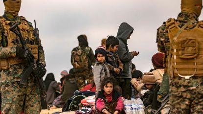 Iedereen probeert weg te geraken uit laatste IS-bolwerk: vrouwen, kinderen én IS'ers