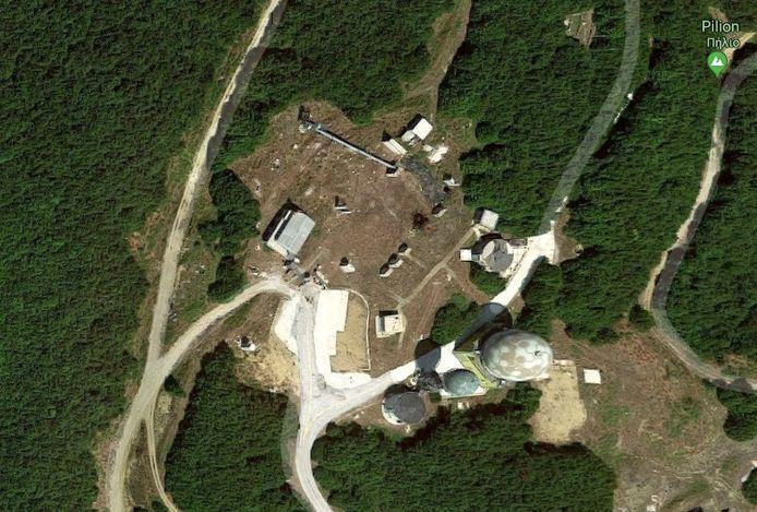 In het gebied waar de Belg wandelde staan naast enkele grote radars ook andere militaire installaties, zoals luchtafweergeschut.
