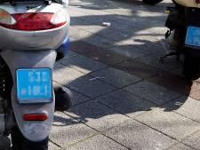 Utrecht roept Kamer op tot invoering helmplicht voor snorfietsers