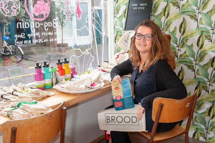 Inge Barmentlo (47) opent voor één week een pup-up store aan de Groenendaal (naast ViaVia) met alleen maar zero waste producten.