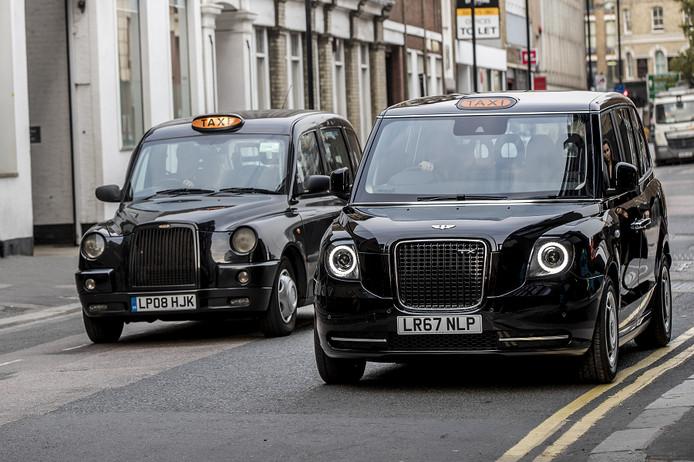 Stil in Londen: \'Black Cab\' sinds 1 januari elektrisch | Auto | AD.nl