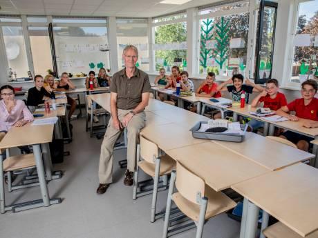 Geliefde meester Jan Berghuis stopt na 44 jaar, basisschool St Joseph verliest een legendarische verhalenverteller