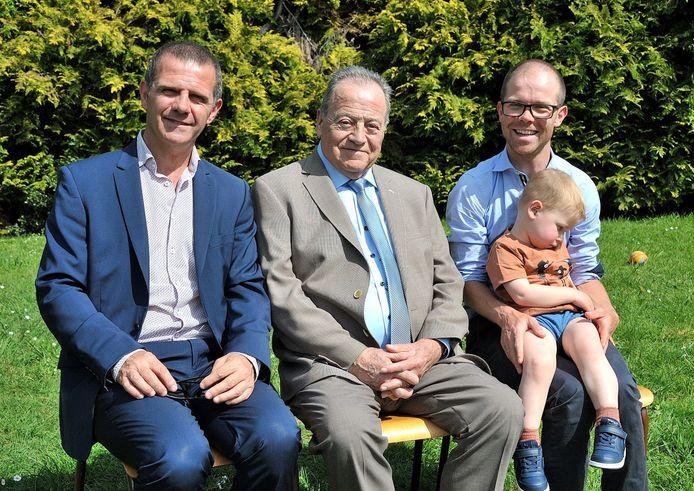 Onlangs vierde de familie met de komst van Jules ook nog een viergeslacht: met aan het hoofd dus Jan, gevolgd door  zoon Rik (58), kleinkind Jonas (32) en de kleine Jules (3 jaar).