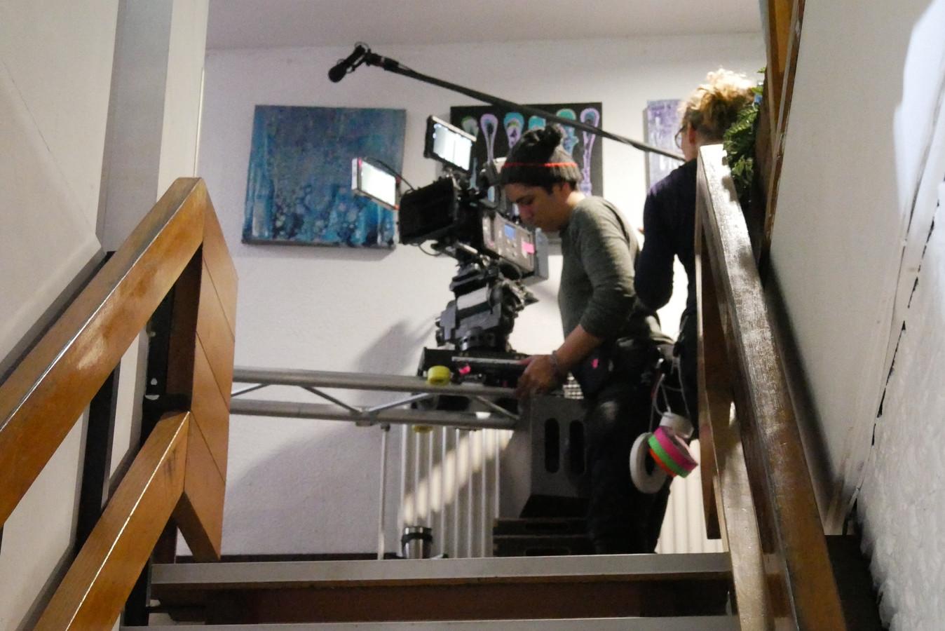 Opnames voor de nieuwe tv-serie 'Ik weet wie je bent' in het Budget Hotel in de buurtschap Groenendijk bij Hazerswoude.
