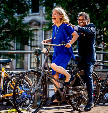 Het wonderlijke verhaal van de man die van India naar Zweden fietste voor de liefde: 'Lotta was altijd al mijn lot'