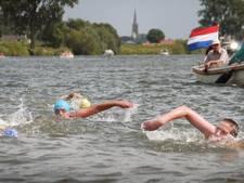 Zwem de 'Jan de Koele' of dobber met je bootje naar een DJ