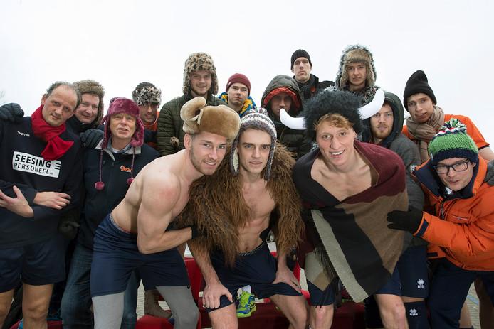De volleyballers van het Doetinchemse Orion gaan actie voeren om geld bijeen te halen voor de Europese uitwedstrijd in Siberië. Foto: Theo Kock