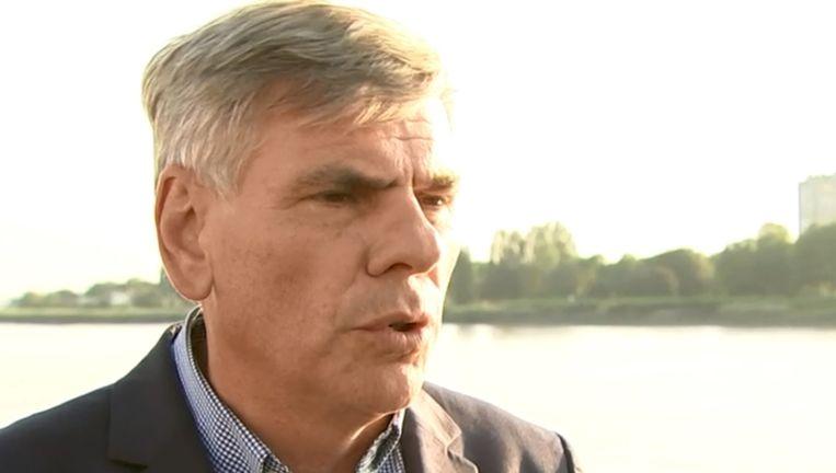 Dewinter is voorlopig voorzitter van het Vlaams Parlement.