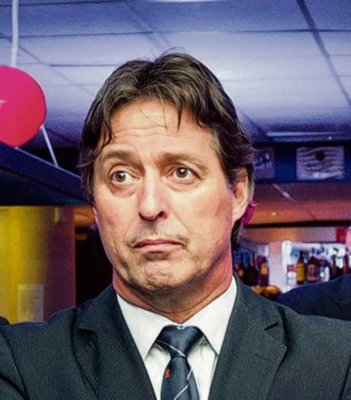 Edgar Mulder van de PVV laat zijn voicemail onbeantwoord. Dat past bij de radiostilte die de partij zichzelf heeft opgelegd. Willem Meijerink weet dat nu ook.