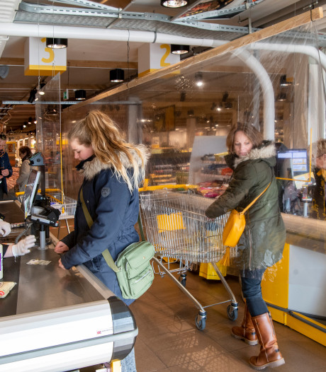Supers Hardenberg op zondag eerder open, in Dalfsen elke werkdag koopavond