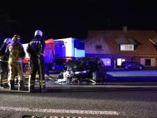 Automobilist gewond door botsing met vrachtwagen bij Geesteren