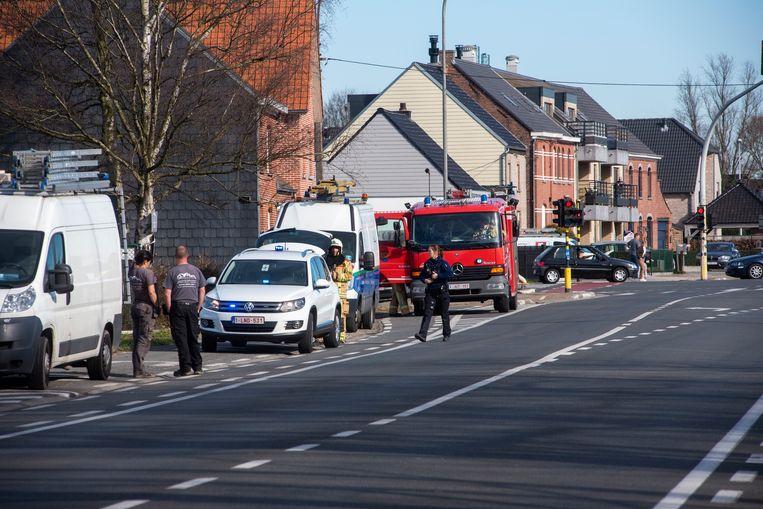 Het kruispunt Moleken in Wichelen werd afgelsoten na een gaslek.