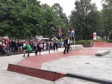 VIDEO: Wethouder opent nieuwe skatebaan in Veghel: 'We moeten hier samen zuinig op zijn'