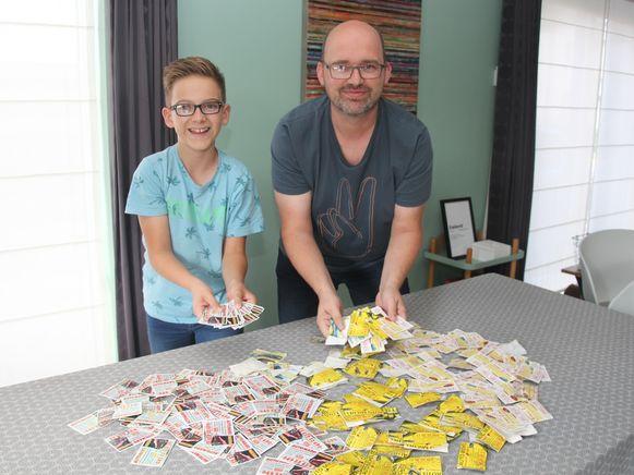 Stef en Luk Roobroeck ruimden in geen tijd bijna 300 kaartjes op.