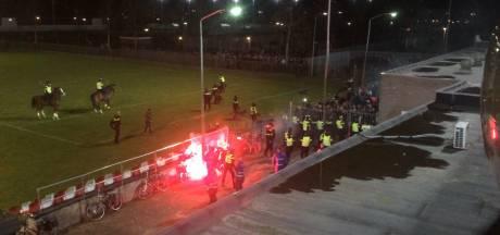 Fanatieke Helmond Sport-fans boycotten thuiswedstrijd tegen NEC
