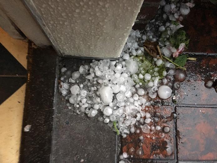 Hele grote hagelstenen in Valkenswaard