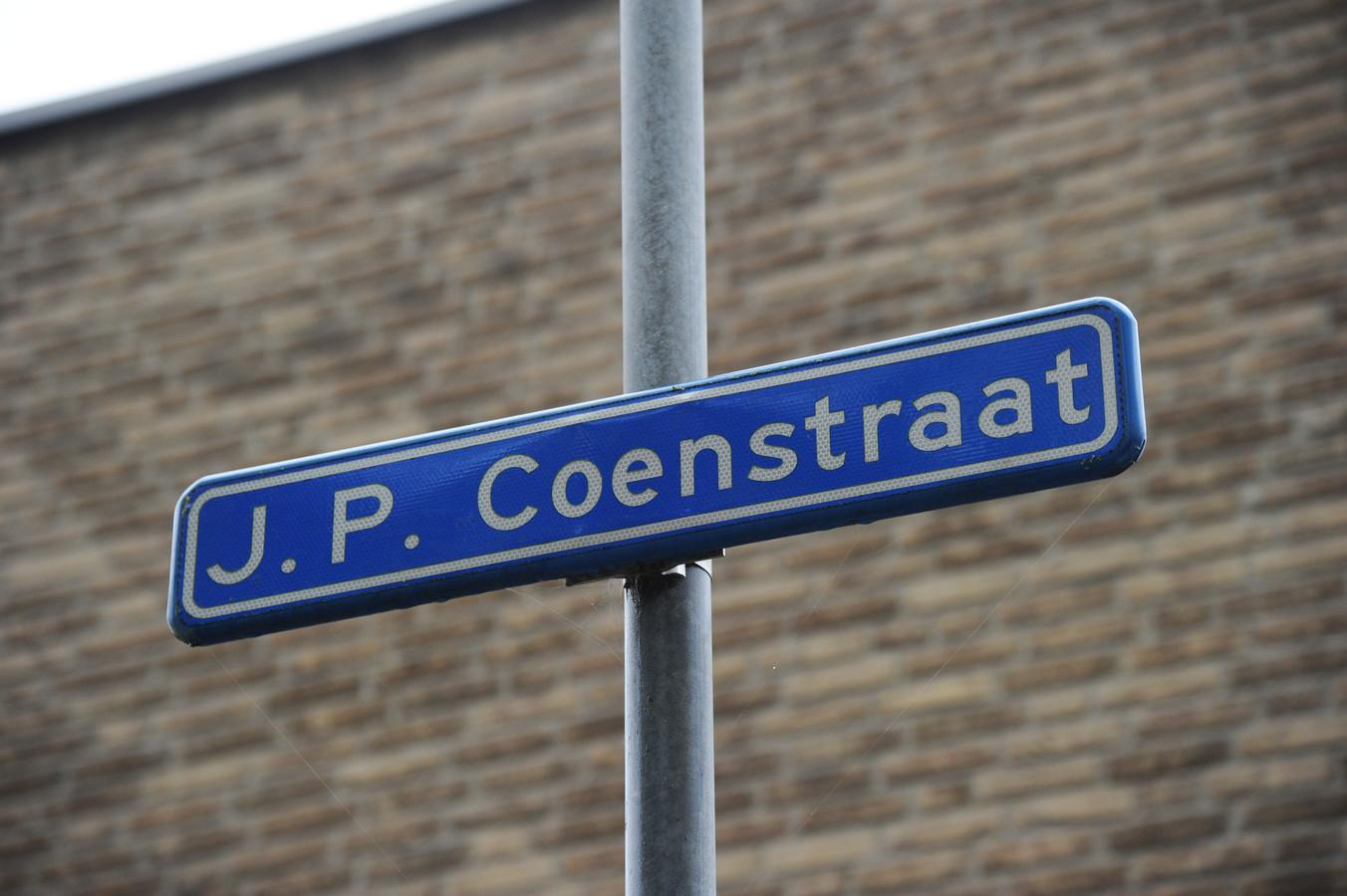 Activisten willen dat er extra uitleg komt bij straatnamen als J. P. Coenstraat , waarin de schaduwkant wordt vermeld van vernoemde zeehelden.