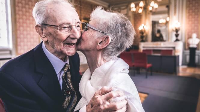 """In 2018 nog een sprookjeshuwelijk tussen Paul (102) en zijn Odette (77), ondertussen zijn ze er allebei niet meer: """"Odette is deze nacht overleden aan corona"""""""