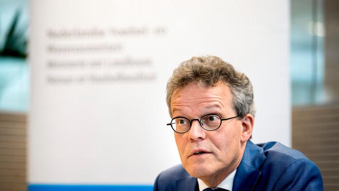 Inspecteur-generaal Rob van Lint, van de Nederlandse Voedsel- en Warenautoriteit tijdens de presentatie van het jaarverslag.