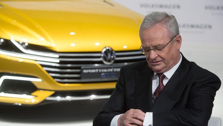 De opgestapte ceo van Volkswagen Martin Winterkorn bij de presentatie van een VW Sport Coupé op archiefbeeld. Beeld ap