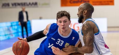 Basketballers Yoast United zijn eerste kwart volledig de weg kwijt, herstel komt te laat