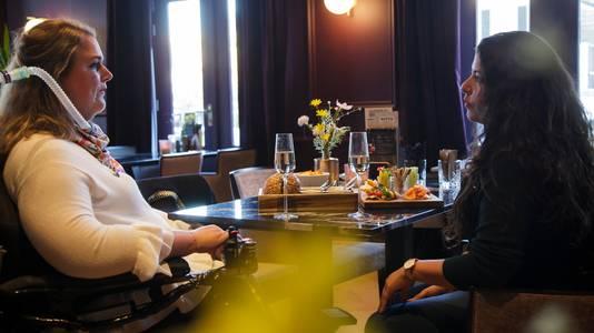 Judith Hatzmann (l) is de site begonnen samen met vriendin Luana Weimar.