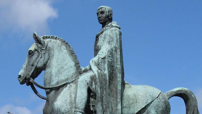 Corbulo, de Romeinse legeraanvoerder die wordt gezien als de stichter van Voorburg, zal op zijn sokkel blijven op de Koningin Julianalaan in Voorburg.