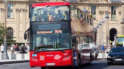Toeristenbus verplettert bestuurder tijdens verhitte verkeersruzie in hartje Parijs