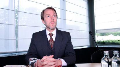 """Bondsprocureur wil strenge straffen in matchfixingzaak: """"Sjoemelaars, maffioso en schandelijke advocaten"""""""