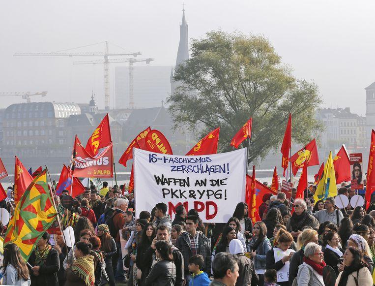 De Koerdische demonstranten in Düsseldorf. Beeld ap