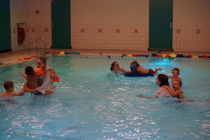 Jubileumeditie van de Zwemvierdaagse in Schijndel.