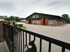 Beslag gehandhaafd op stal De Hemmelhorst in Borne