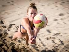 Beachvolleybalster Julia Wouters (22) uit Dordrecht reist de wereld over