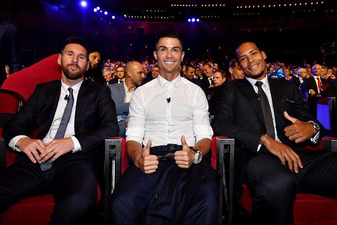 Lionel Messi, Cristiano Ronaldo en Virgil van Dijk op het UEFA-gala in Monaco op maandag 29 augustus.