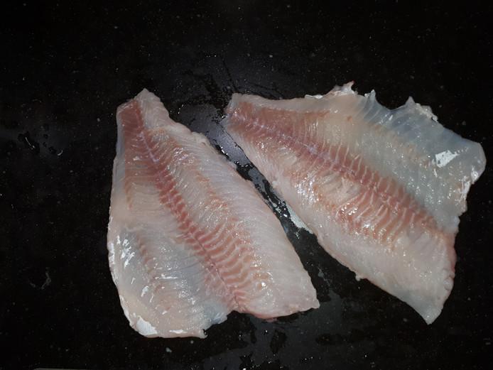Een deel van de visfilet.