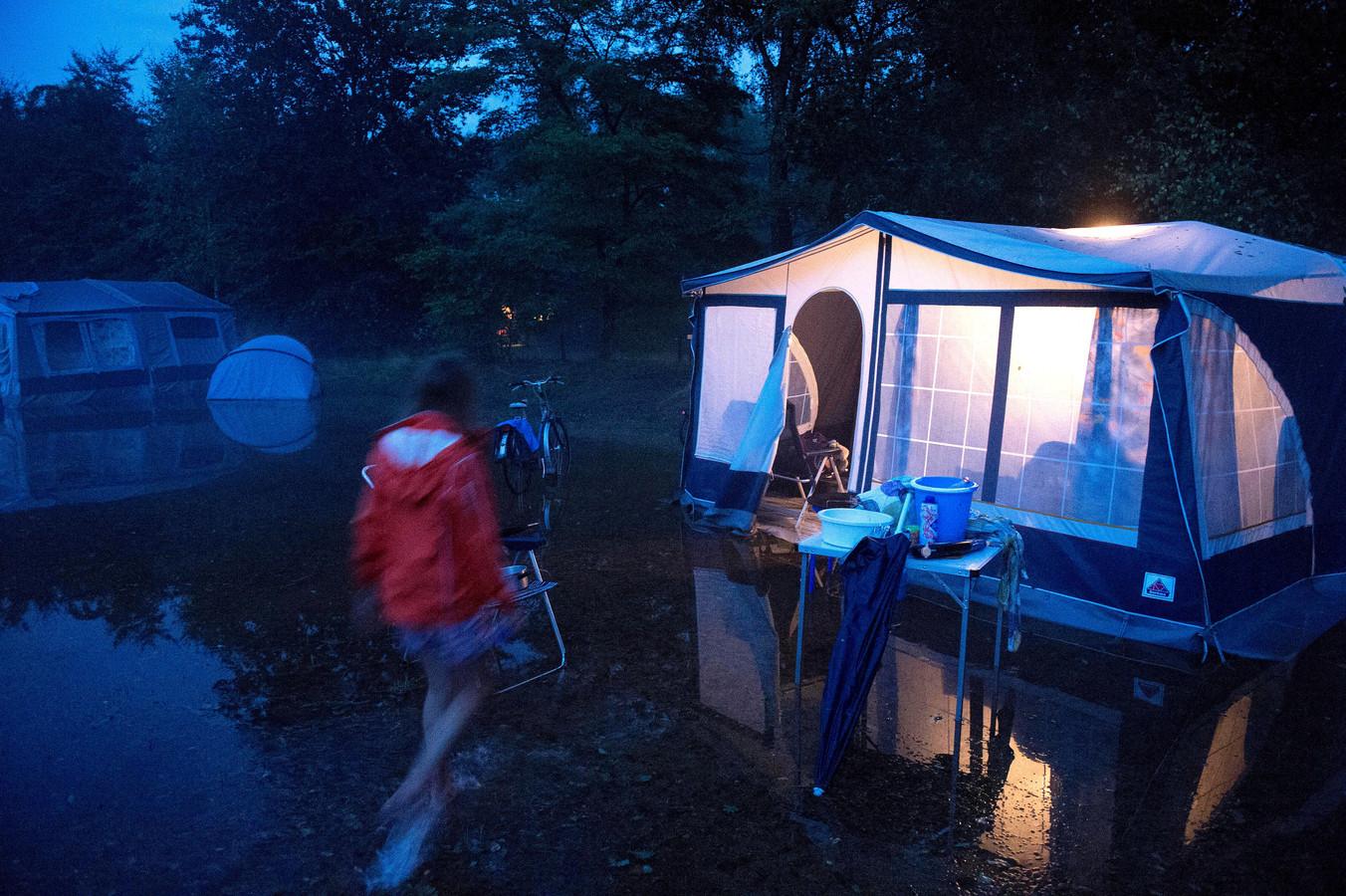 Geen gewonden door noodweer in Weert | Foto | bndestem.nl